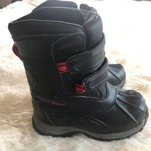 L.L. Bean toddler boys snow boots